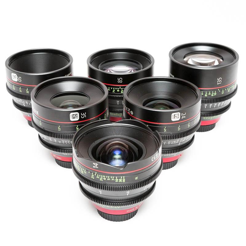 Набор объективов профессионального фотографа